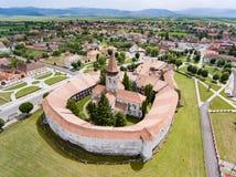 Widok z lotu ptaka Prejmer fortyfikował kościół UNESCO światowe dziedzictwo s obrazy stock