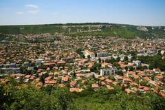 Widok z lotu ptaka Provadia miasto w Bułgaria od Ovech fortecy Fotografia Stock