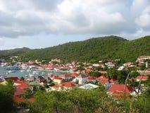 Widok z lotu ptaka przy Gustavia schronieniem z mega jachtami przy St Barts, Francuscy Zachodni Indies Obrazy Stock
