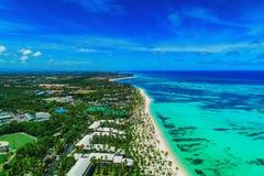 Widok z lotu ptaka Punta Cana miejscowo?? nadmorska, republika dominika?ska Egzotyczna wyspa w morzu karaibskim fotografia stock