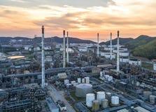 Widok z lotu ptaka rafineria ropy naftowej Przemysłowy widok przy rafinerii ropy naftowej rośliną f Zdjęcia Stock