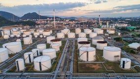 Widok z lotu ptaka rafineria ropy naftowej Przemysłowy widok przy rafinerii ropy naftowej rośliną f Fotografia Royalty Free