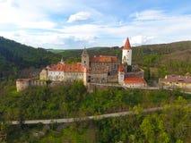 Widok z lotu ptaka Średniowieczny grodowy Krivoklat w republika czech obraz royalty free