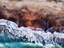Widok z lotu ptaka ruch undertow w zimy morzu fotografia stock