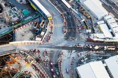 Widok z lotu ptaka ruchliwie rozdroże z poruszającymi samochodami hong kong fotografia royalty free