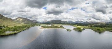 Widok z lotu ptaka ruiny historyczny Kilchurn Loch i kasztelu respekt zdjęcia stock
