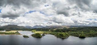 Widok z lotu ptaka ruiny historyczny Kilchurn Loch i kasztelu respekt obraz stock