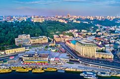 Widok z lotu ptaka Rzeczny port, Podil i Pocztowy kwadrat w Kijów, Ukraina Zdjęcie Royalty Free