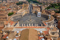 Widok z lotu ptaka Sławny świętego Peter kwadrat w Watykan Zdjęcia Stock