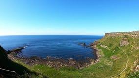 Widok z lotu ptaka sławny i popularny giganta drogi na grobli punkt zwrotny w Północnym - Ireland Wybrzeże Atlantycka oceanu i sp zbiory