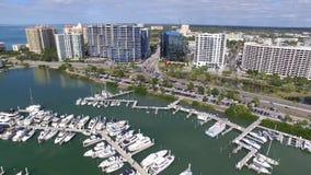 Widok z lotu ptaka Sarasota śródmieście, Floryda zbiory wideo
