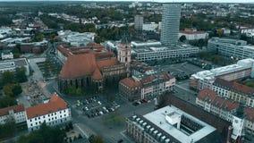 Widok z lotu ptaka St Marienkirche kościół w Frankfurt na Oder, Niemcy zdjęcie wideo