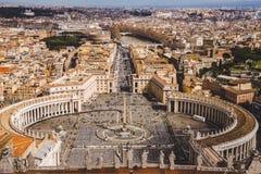 widok z lotu ptaka St Peter kwadrat z Bernini kolumnadą, obrazy stock