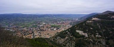 Widok z lotu ptaka stary towm Gubbio, Umbria, Włochy fotografia stock