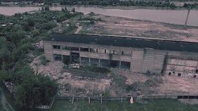 Widok z lotu ptaka stary zniszczony budynek zdjęcie wideo