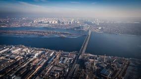 Widok z lotu ptaka strefa przemysłowa i technologia park blisko Dnipro rzeki Zdjęcie Royalty Free