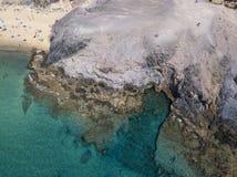 Widok z lotu ptaka strzępiaste plaże Lanzarote i brzeg, Hiszpania, kanarek Drogi i brud ścieżki Papagayo zdjęcia stock