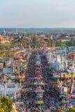 Widok z lotu ptaka tłum Oktoberfest goście Obraz Stock