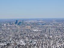 Widok z lotu ptaka ten Minneapolis który jest ważnym miastem w Minnestoa w Stany Zjednoczone, tworzy ` Bliźniaczych miast ` z sąs obraz stock