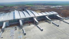 Widok z lotu ptaka terminale i wierza Widok z lotu ptaka Lotniczy park blisko Krakow centrum miasta Lotniskowy terminal, powietrz Fotografia Stock