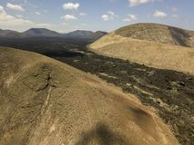 Widok z lotu ptaka Timanfaya, park narodowy, kaldery Blanca, panoramiczny widok volcanoes Lanzarote, Wyspa Kanaryjska, Hiszpania obrazy stock