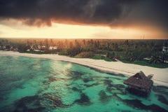 Widok z lotu ptaka tropikalna wyspy plaża, republika dominikańska zdjęcie royalty free