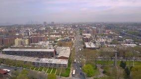 Widok z lotu ptaka ulicy i rozdroża w Brooklyn, Miasto Nowy Jork NYC od above USA zdjęcie wideo