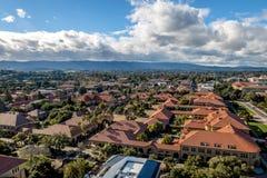 Widok z lotu ptaka uniwersyteta stanforda kampus - Palo Alto, Kalifornia, usa zdjęcia royalty free