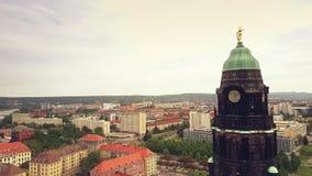 Widok z lotu ptaka urzędu miasta zegarowy wierza i pejzaż miejski na Drezdeńskim, Niemcy Obraz Stock