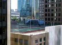 Widok z lotu ptaka Vancouver śródmieście Tenisowy sąd na dachu obraz stock