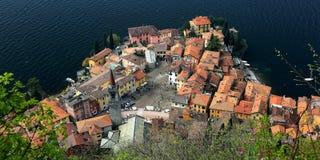Widok z lotu ptaka Varenna, piękna wioska Jeziornym Como, Włochy Zdjęcia Stock