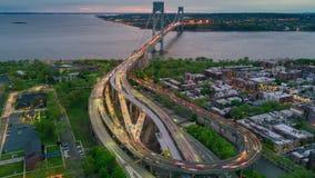 Widok z lotu ptaka Verrazano wiadukt w Brooklyn i bidge, Miasto Nowy Jork Timelapse dronelapse zbiory wideo