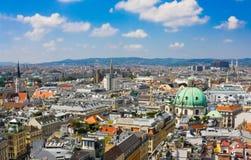 Widok z lotu ptaka Wiedeń jak widzieć od Świątobliwej Stephan katedry (Stephansdom) Zdjęcie Stock