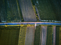 Widok z lotu ptaka wiejska droga z kolorowymi rolniczymi polami w wiośnie - Germany Obraz Royalty Free