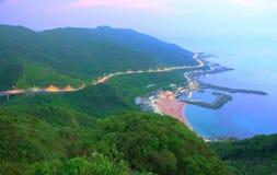 Widok z lotu ptaka wioska rybacka przy świtem na północnym wybrzeżu Taipei Tajwan Fotografia Stock