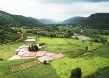 Widok z lotu ptaka wioski w porze deszczowa Obraz Stock