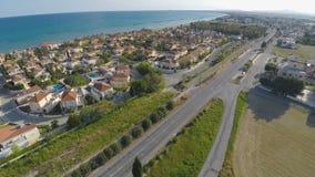 Widok z lotu ptaka wygodny obszar zamieszkały w nadmorski Larnaka mieście, Cypr zbiory wideo