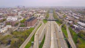 Widok z lotu ptaka wymiana Verrazano bidge w Brooklyn, Miasto Nowy Jork NY od above hudsonu zbiory wideo