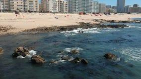 Widok z lotu ptaka złota piaskowata plaża w Povoa De Varzim, Portugalia Niecka opuszczać zbiory
