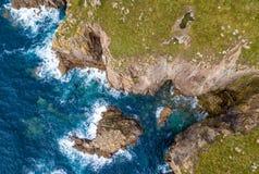 Widok z lotu ptaka ziemi końcówka w Cornwall Zdjęcia Royalty Free