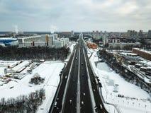 Widok z lotu ptaka zimy śnieżna droga w Moskwa Obraz Royalty Free