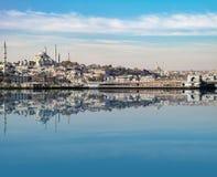 Widok z odbiciem od Bosphorus kanału fotografia stock