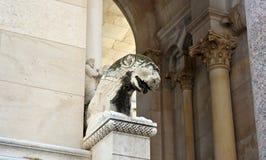 Widok zabytek w ulicie stary miasteczko, Diocletian pałac piękna architektura, słoneczny dzień, rozłam, Dalmatia, Chorwacja zdjęcia royalty free