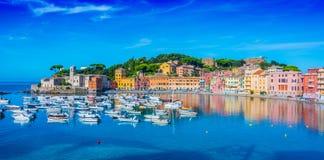 Widok zatoka cisza w Sestri Levante, Włochy obrazy royalty free