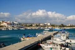 Widok Zygi wioska rybacka w Cypr od marina Zdjęcia Stock
