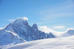 Widoki górscy w Chamonix podczas gdy Narciarski krajoznawstwo obraz royalty free