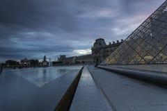 Widoki louvre muzeum w Paris Zdjęcia Stock