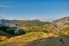 Widoki od Tatev wagonu kolei linowej ropeway w Armenia obraz royalty free