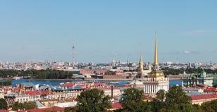 Widoki St Petersburg od obserwacja pokładu St Isaac ` s Obrazy Stock