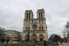 Widoki z zewnątrz «Notre Damae «, Paryż obraz stock